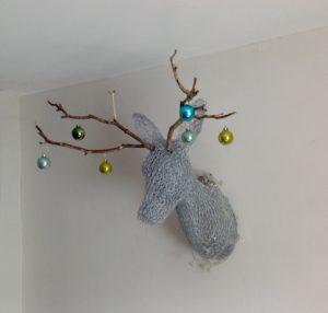 Wire stag's head